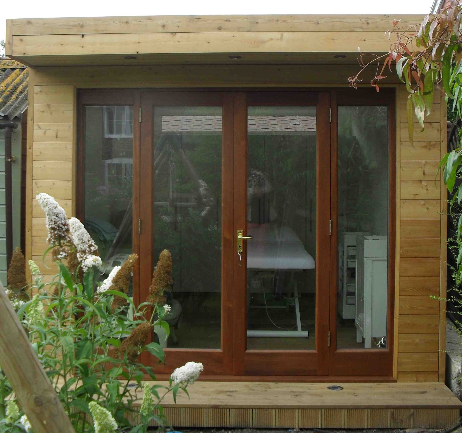 Shedworking: Beauty therapy in a garden office