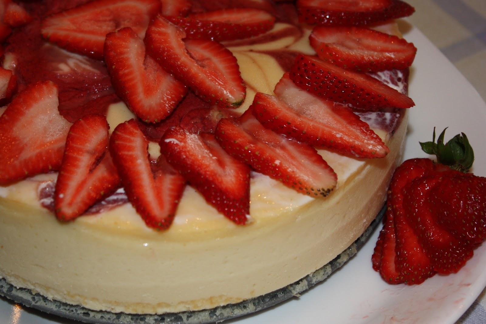 Strawberry Swirl Cheesecake Strawberry swirl cheesecake