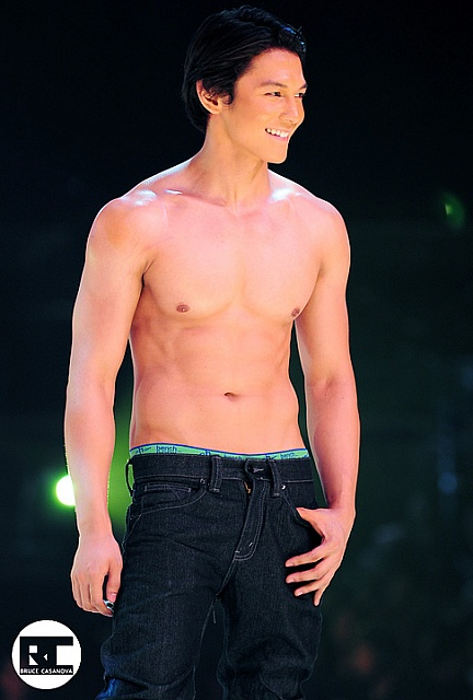 Diether Ocampo Body BARING THE SKIN...