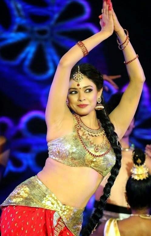 Actress Pooja Facebook Actress Pooja Kumar Dance