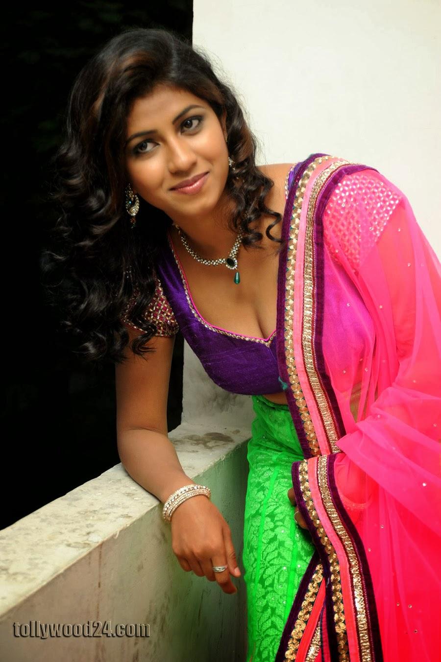 Geethanjali hot pics at Oka Roju Em Jarigindi-HQ-Photo-4
