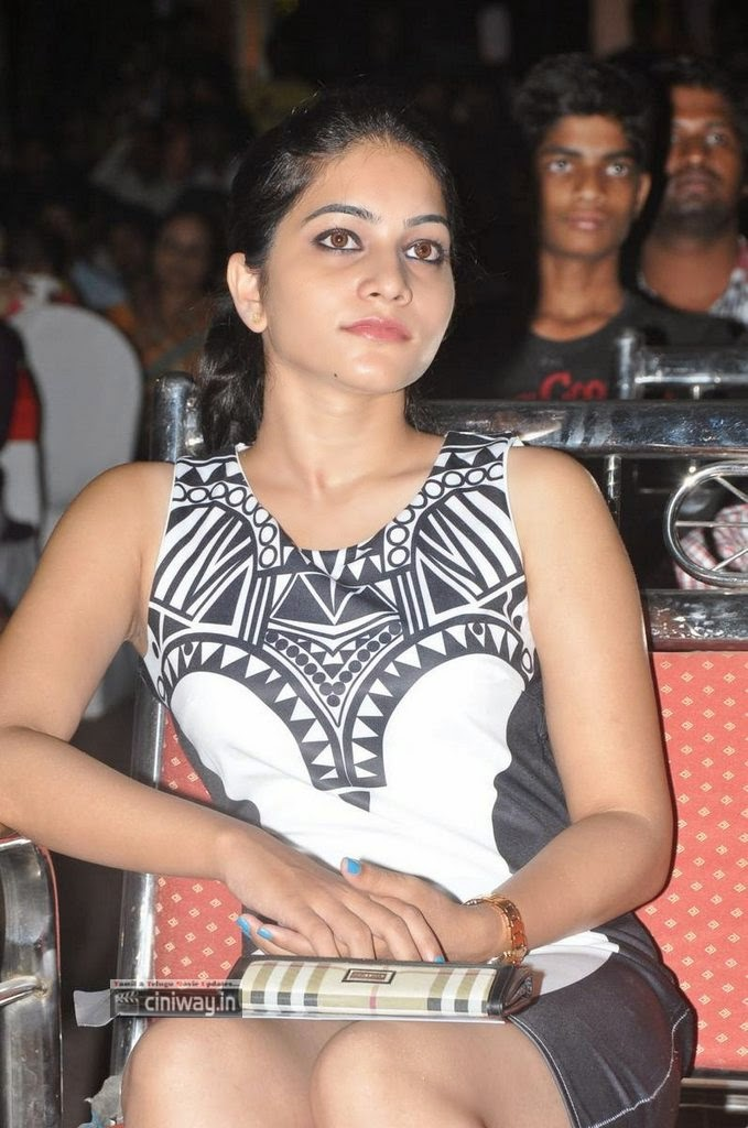 Actress-Poornavi-Stills-at-Kiraak-Music-Launch