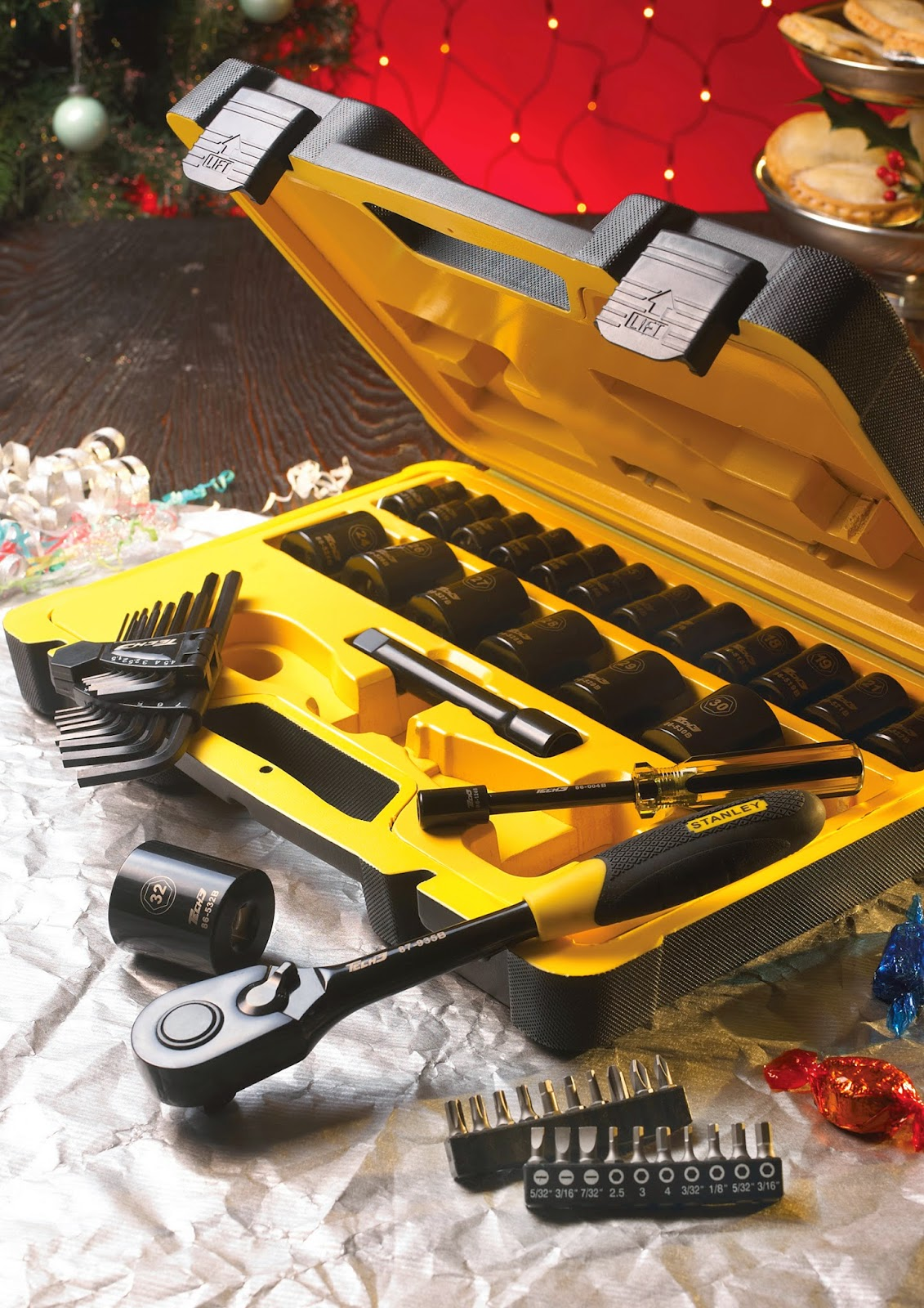 http://www.beesleyandfildes.co.uk/stanley-57-piece-1-2-sq-drive-tech-3-socket-set-ref-xms14sock12/