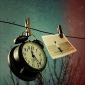 Todo tiene solución en la vida excepto el tiempo que dejamos pasar.