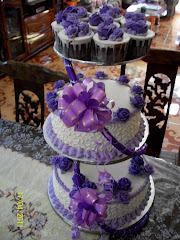 STEAM BUTTERCREAM WEDDING CAKE