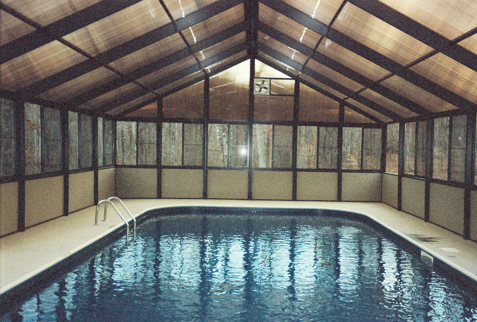 Pool enclosures usa pricing pool enclosures for Pool privacy screen