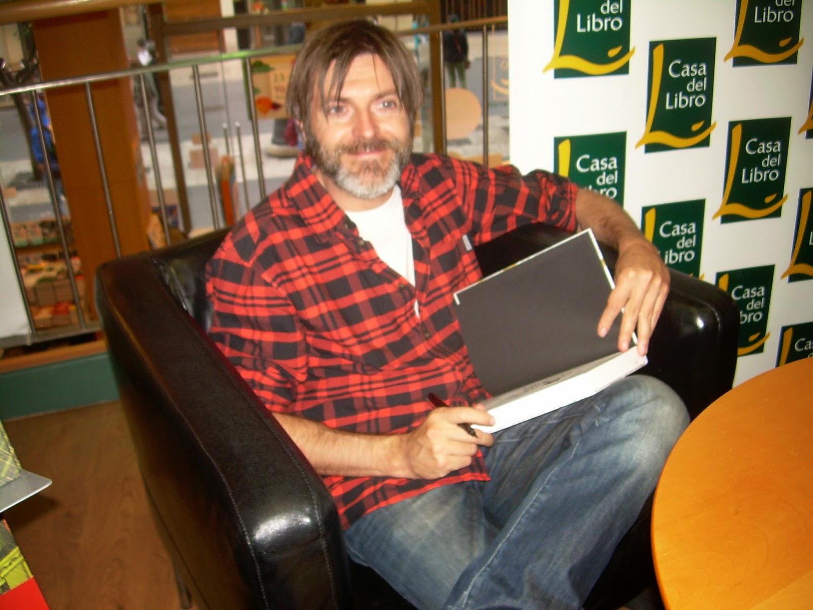 Gotham news paco roca en casa del libro de valencia - Casa del libro valencia horario ...