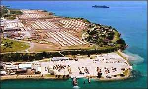 Ilegal base naval yanqui en Guantánamo...