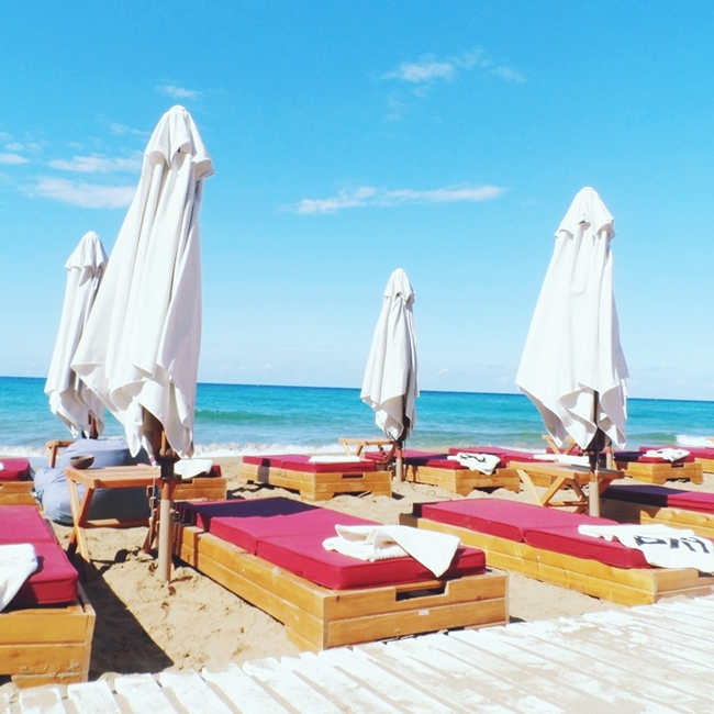 Jelena Zivanovic Instagram @lelazivanovic.Glam fab week.Travel video:Pazuzu beach bar at Glyfada beach,Corfu.