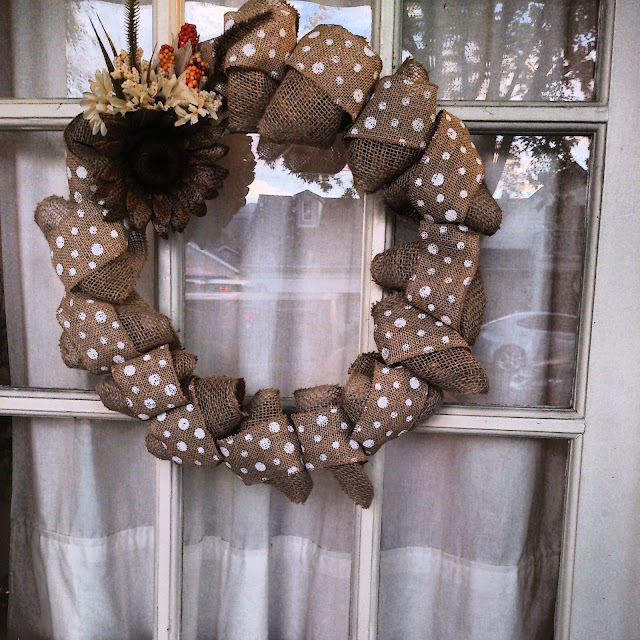burlap wreath, polka dot wreath