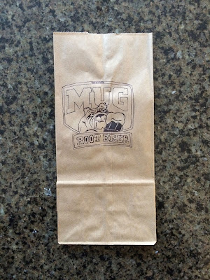 Mug Root Beer Logo with Bulldog