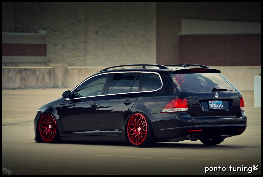 Jetta Variant on mercedes benz wagon slammed