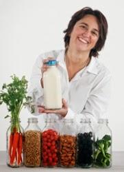ميلينا كوريدج تشير الى ان الشاي الاخضر والحليب يوقف نمو السرطان