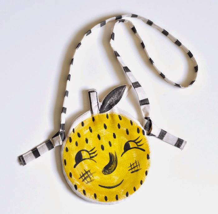 Lemon purse Roxy Marj // Sunday in color blog