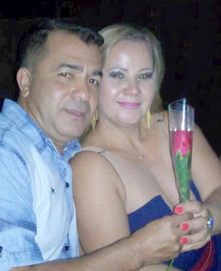DELEI E SHEILA REALIZA ALMOÇO FESTIVO COM AMIGOS E FAMILHARES