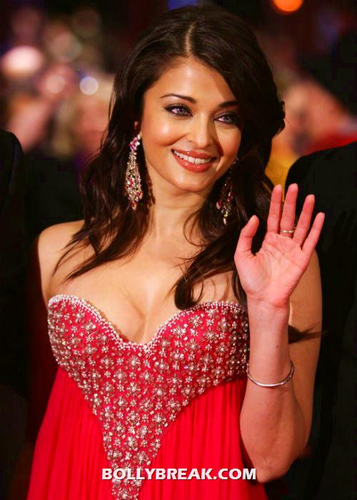 Aishwarya looks outstanding in this low cut red gown  - Aishwarya Rai, Kareena Kapoor and other HEROINES in RED OUTFITS