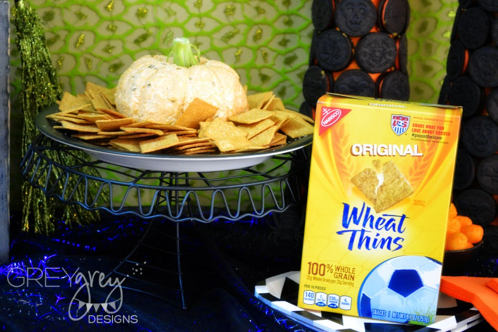 #shop #spookysnacks #collectivebias #oreos #wheatthins