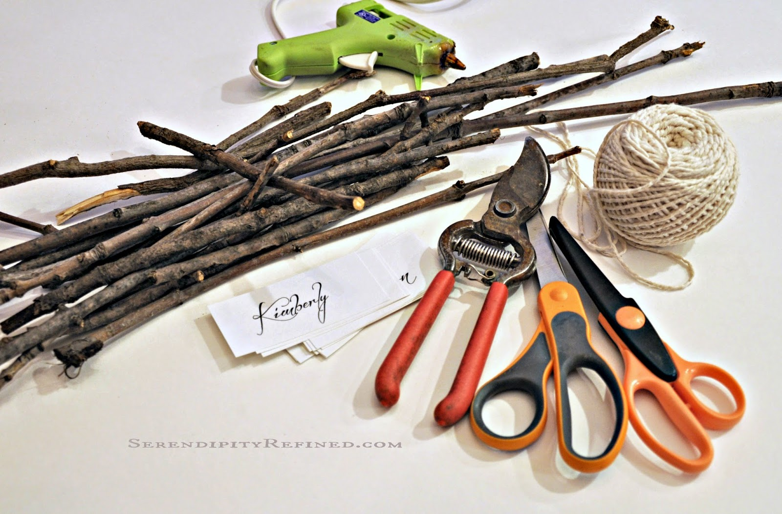 Serendipity Refined Blog: Super Easy Twig Place Card Holders