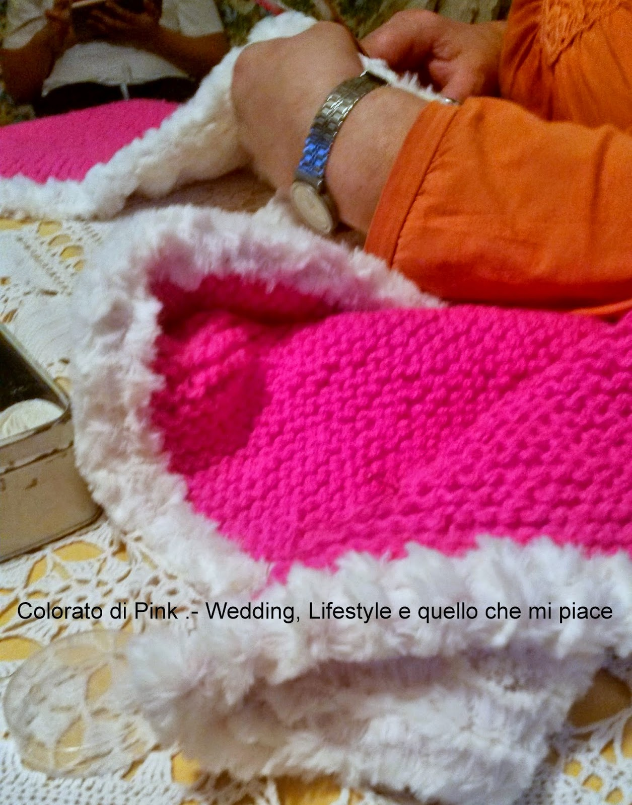 knitting scarf pink fluo fur faux white