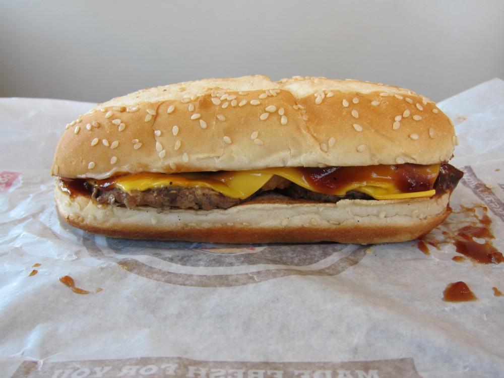 http://3.bp.blogspot.com/-UedOiCycSjc/U51c-g7kxrI/AAAAAAAAdjI/CmOYZLhQGys/s1600/burger-king-extra-long-bbq-cheeseburger-01.JPG