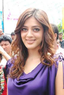 Parvathi Melton in purple dress    com 13829357d3235a3594aaf4b5ee0140f1bdde1e71