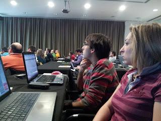 Iñigo Rodriguez-Jalon Novoa y Andrea de iMago iMagen sl en el Curso SEM de Google AdWords™ en Madrid