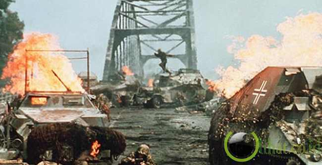 Peperangan di jembatan Arnhem dalam film A BRIDGE TO FAR