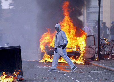 No-go zones: Youths on fire