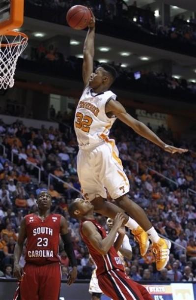 2010 2011 NCAA College Basketball Dunk Mix