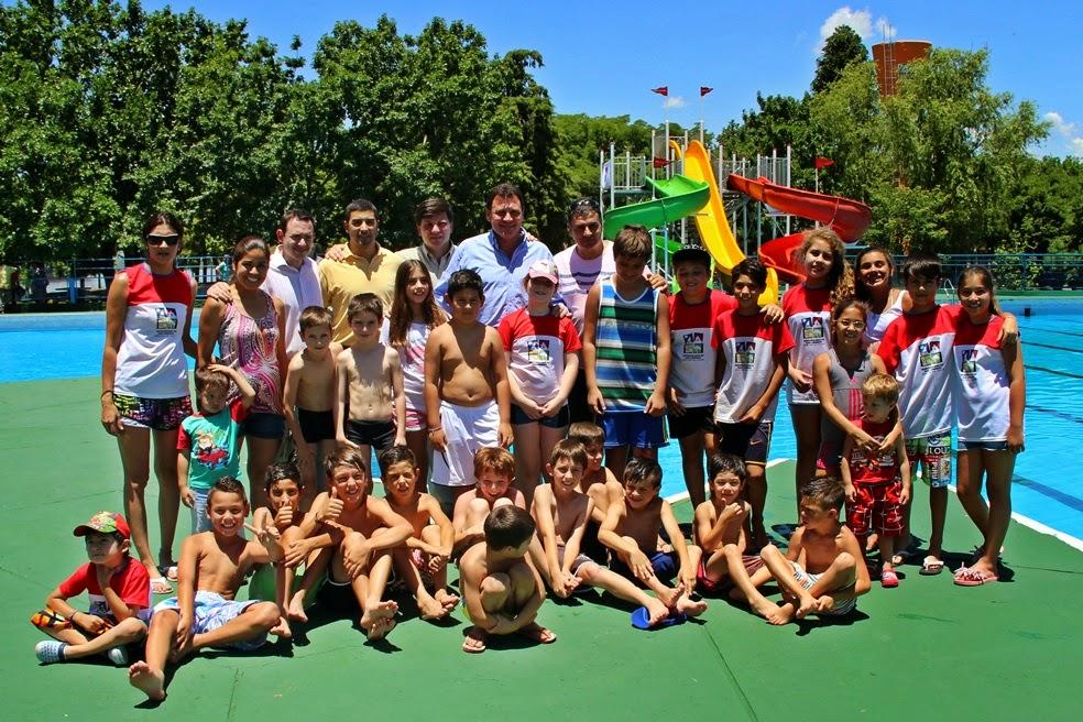 ¡A disfrutar del verano! Se inauguró la temporada en el Polideportivo
