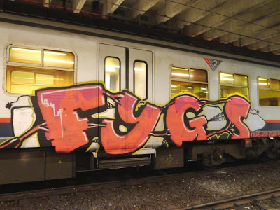 graff on train fygs