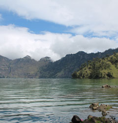 Rinjani Trekking 3D2N Lake and Hot Springs