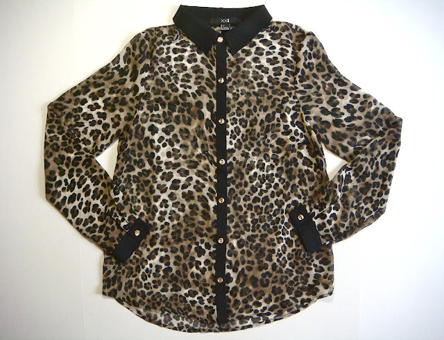 Animal Print Blouse With Black Collar 63