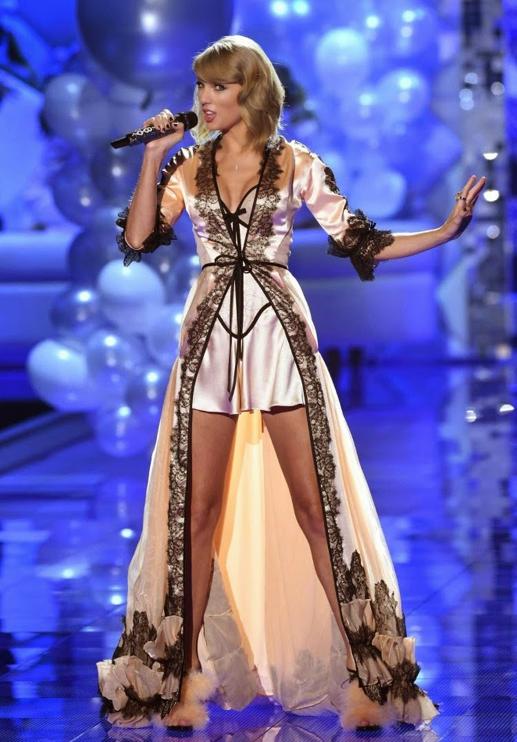 Taylor Swift Performs at The 2014 Victoria's Secret Fashion Show in London