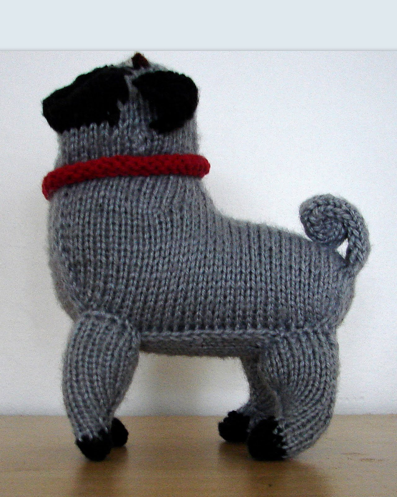 Ferby\'s Corner Knitting: Knitted pug dog