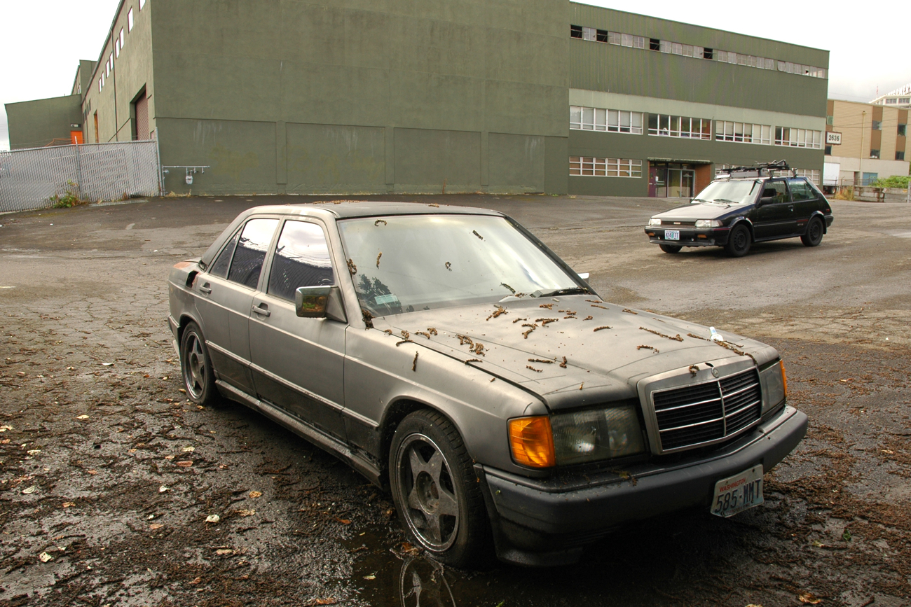Old parked cars 1986 mercedes benz 190e amg for 190e mercedes benz