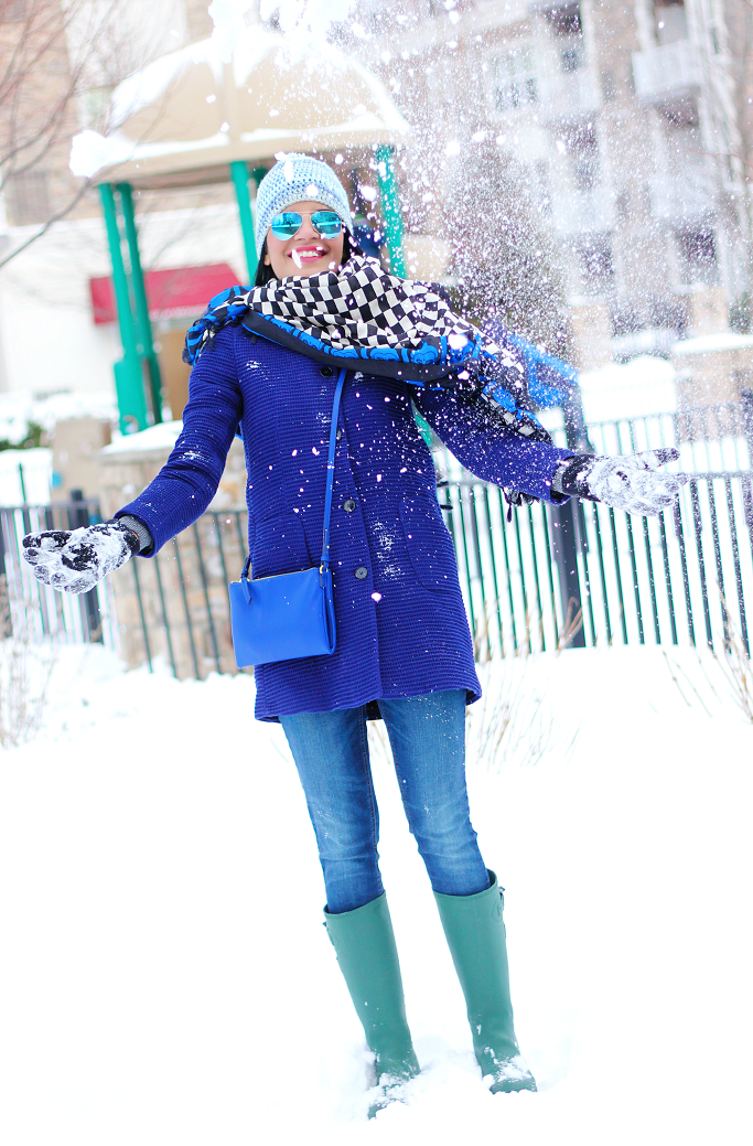Snow Outfits Ideas, Winter Layering Outfits, Kamik 'Jennifer' Rain Boots, Green Rain Boots, Hunter Boots Lookalike, Blue Zara Coat
