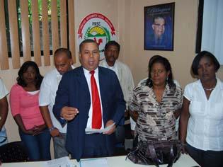 Rudis Liriano exige a Robert Matos renunciar a su cargo de Regidor