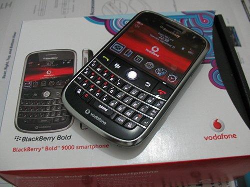 BlackBerry 9000 Bold  Harga Rp 2,400,000.-