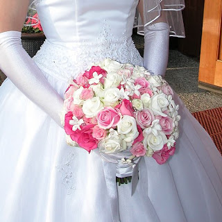 wedding flowers,wedding flowers ideas,winter wedding flowers,silk wedding flowers,wedding flowers photos