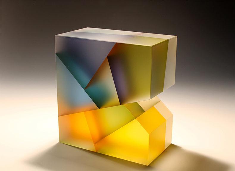 Esculturas de vidrios segmentados de Jiyong Lee