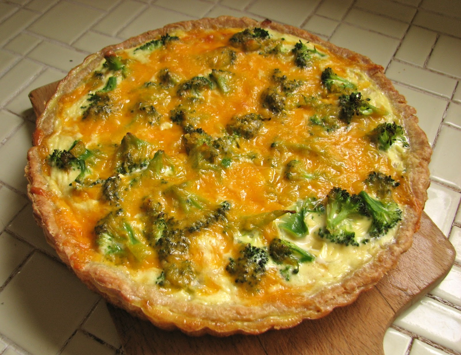 Delectably Mine: Broccoli Cheddar Quiche