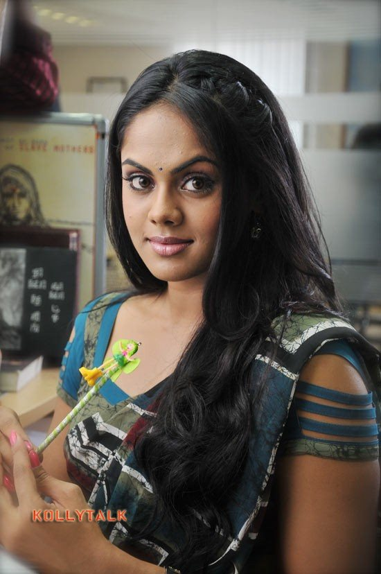 Karthika nair in ko movie 4