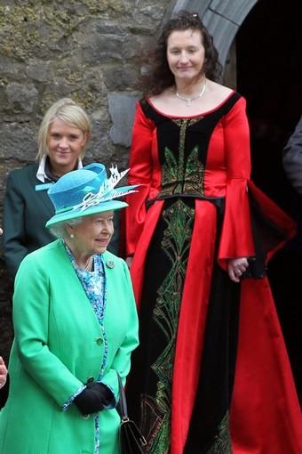 Broken News: Queen Meets Tallest Woman in Ireland