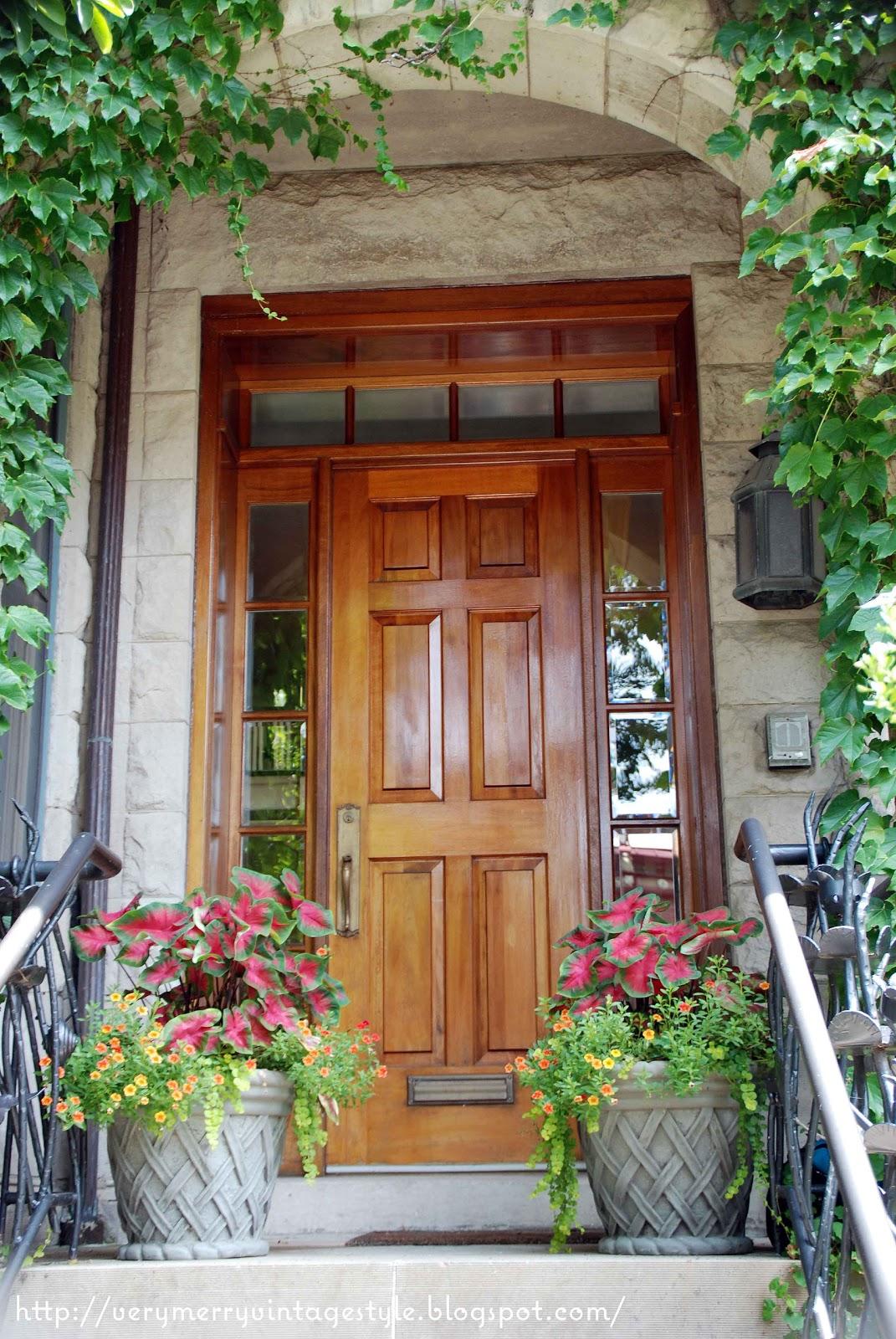 Very merry vintage syle sheffield garden walk pretty for Door 4 montpellier walk
