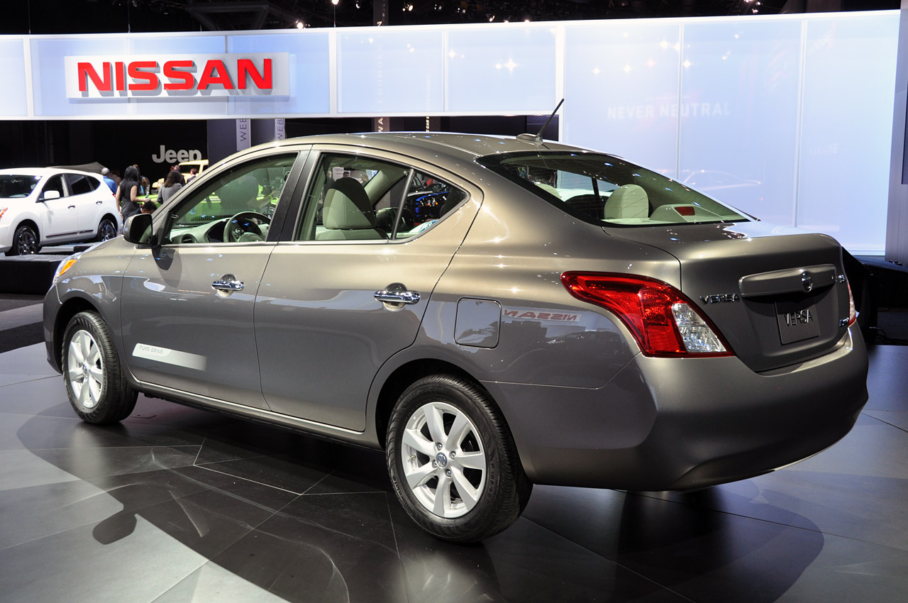 wallpapers cars nissan versa 2012. Black Bedroom Furniture Sets. Home Design Ideas
