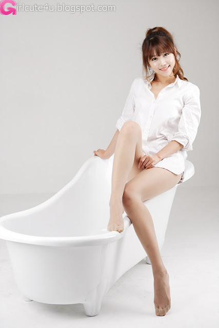 3 Lee Eun Hye - White Shirt and Bath Tub-very cute asian girl-girlcute4u.blogspot.com