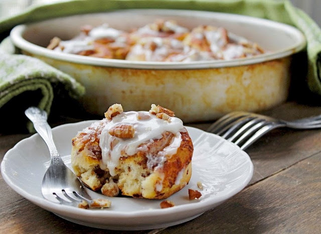 More than burnt toast maple walnut cinnamon rolls with for Authentic canadian cuisine