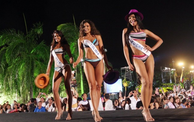 Miss Universe Wardrobe Malfunction Uncensored