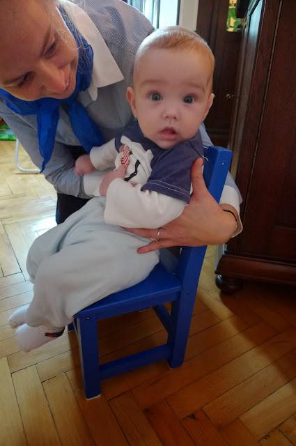 Na moim pierwszym 'greckim' krześle/On my first 'Greek' chair